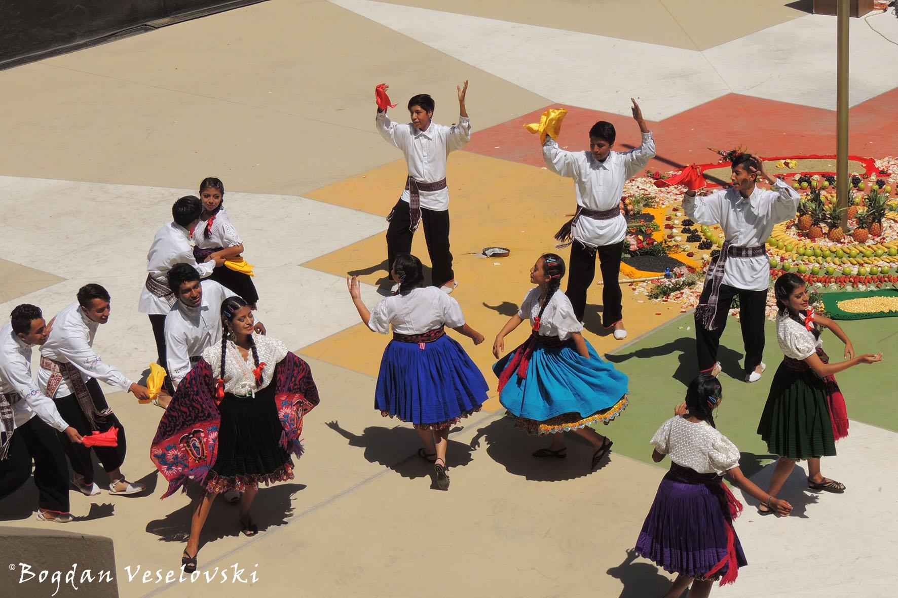 Mitad del Mundo – Traditional ceremony & Andean dances